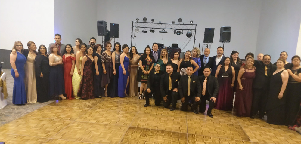 Egresan 57 profesionales en terapias holísticas de novena generación de Colegio de Terapias Yulitia